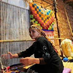 The origin weaving by the populations dates back several millennia. The hand spun cloth they created was Morocco Tourism, Hanging Shoe Storage, My Gems, Textile Texture, Egypt Travel, Egyptian Art, Moroccan Style, North Africa, Artistic Photography