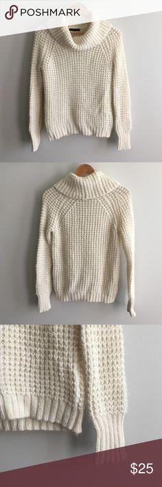 "Gap Cowl Neck Sweater Off White / Cream GAP Cowl Neck Sweater - Super Cute - Great Condition - Shoulder to Hem is 24"" GAP Sweaters Cowl & Turtlenecks"