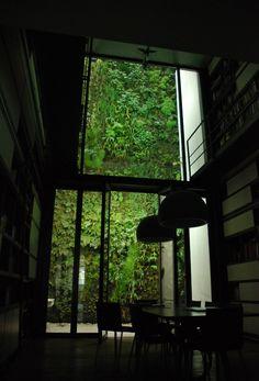 "beconinriot:    Vertical Garden byPatrick Blanc""Art House Istanbul"" Istanbul, Turkey"