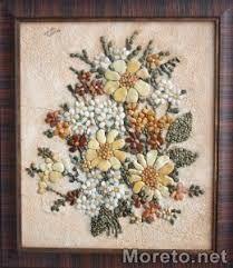 Seeds make up beautiful floral design. Pebble Mosaic, Pebble Art, Mosaic Art, Stone Crafts, Rock Crafts, Pebble Painting, Stone Painting, Seed Art, Rock Flowers
