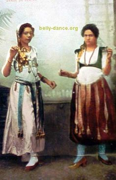 Old Style Ghawazee costuming Belly Dance Outfit, Belly Dance Costumes, Dance Pictures, Dance Pics, Vintage Dance, Female Dancers, Tribal Dance, Dance Fashion, Belly Dancers