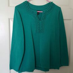 Long sleeve sweater in kelly green This sweater has cute details on the front Dana Buchman Sweaters Crew & Scoop Necks