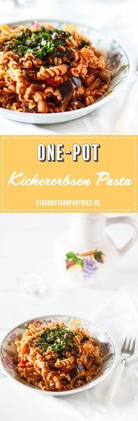 Gesunde Low Carb One-Pot Kichererbsen Pasta ist in 30 Minuten fertig und das perfekte Comfort Food für verregnete Sommer Abende! Zudem ist die Pasta vegan und glutenfrei! #pasta #one-pot #glutenfrei
