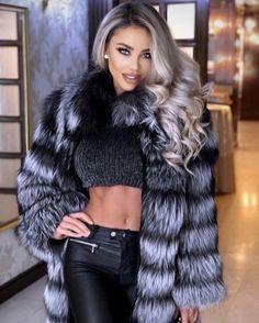 Fur Fashion, Leather Fashion, Womens Fashion, Fashion Tips, Thick Girl Fashion, High End Fashion, Fox Fur Coat, Fur Coats, Bombshell Beauty