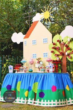 Peppa Pig 3rd birthday party Peppa Pig House, Peppa Pig Birthday Decorations, Peppa Pig Party Games, Peppa Pig Birthday Cake, George Pig Cake, George Pig Party, Pepper Pig Party Ideas, Peppa Pig Printables, 3rd Birthday Parties
