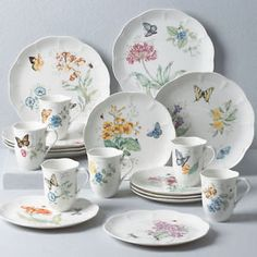 NEW Lenox Butterfly Meadow Hydrangea Dinnerware Set, Dishes NIB for sale online Dinnerware Sets Walmart, Casual Dinnerware Sets, Dinnerware Sets For 12, Dinnerware Ideas, Mikasa Dinnerware, Lenox Butterfly Meadow, Vase Deco, Vintage Plates, China Patterns