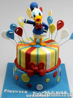 Novelty Cakes in London Novelty Birthday Cakes, 2 Birthday Cake, Novelty Cakes, Donald Duck Cake, Donald Duck Party, Cake Decorating Roses, Birthday Cake Decorating, Torta Minnie Mouse, Mickey Mouse