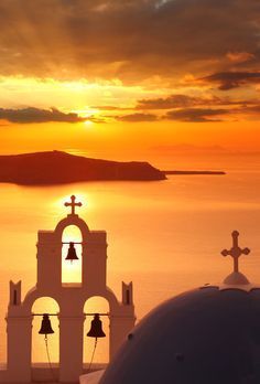 Amazing Santorini sunset  - The real best things to do in Santorini