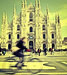 """""""Milano che non ti aspetti"""" #vfMilano vista da @chiaralice91 - http://voda.it/IVWGdn"""