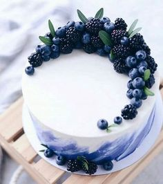 lecker - ~ Food - Süßes, Kuchen & Desserts ~ - The Effective Pictures We Offer You About purple birthday cake A quality picture can tell you many things. You can Beautiful Cake Designs, Beautiful Cakes, Amazing Cakes, Cool Cake Designs, Stunningly Beautiful, Fancy Cakes, Cute Cakes, Pretty Cakes, Sweet Cakes