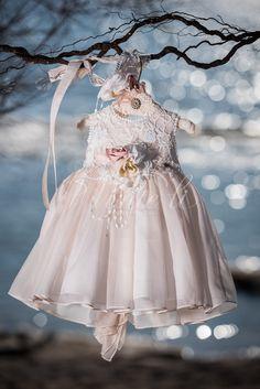 Φόρεμα βάπτισης Vinte Li 2804 με ασορτί κορδέλα., annassecret, Flower Girl Dresses, Baby Dresses, Kids Fashion, Girl Outfits, Princess, Wedding Dresses, Clothes, Beautiful, Children