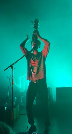 Tumblr user sonic-raygun captured Dave Bayley of Glass Animals in his final form.