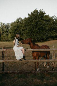 INDIAN SUMMER Indian Summer, Photoshoot, Horses, Paris, Inspiration, Animals, Biblical Inspiration, Montmartre Paris, Animales