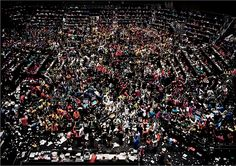 © Andreas Gursky—Artists Rights Society (ARS), New York/VG Bild-Kunst, Bonn Chicago Board of Trade, 1999 From: The Influencers: Andreas Gursky Andreas Gursky, Stock Exchange Photos, Amazing Photography, Art Photography, Chicago, American Photo, City Photo, Contemporary Art, Auction