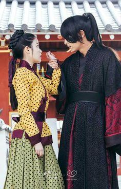 Prince Wang so and Hae soo ❤ Scarlet heart: Ryeo Korean Star, Korean Men, Korean Actors, Korean Dramas, Scarlet Heart Ryeo Cast, Iu Hair, Moorim School, Best Kdrama, Wang So