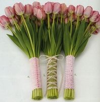 """DIY:How to wrap your bouquets with ribbon """"Tailored Stems"""""""