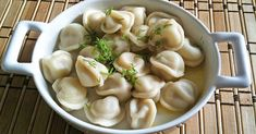 This list of ten Russian foods you have to try will leave you hungry and possibly surprised that there is more to Russian cuisine than potatoes and vodka! Unique Recipes, Indian Food Recipes, Gourmet Recipes, Healthy Recipes, Ethnic Recipes, Russian Pelmeni Recipe, Borscht Soup, Russian Recipes, Russian Foods