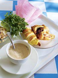 Suolaiset ja makeat aamiaiscroissantit | Reseptit | Valintatalo