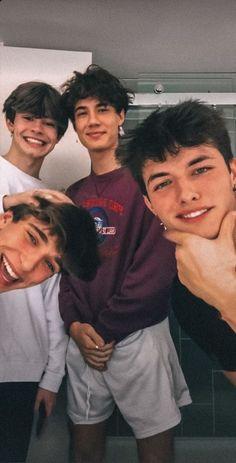 from the story 𝐥𝐢𝐯𝐞𝐥𝐲 Beautiful Boys, Pretty Boys, Boy Squad, Josh Richards, Cute White Boys, Boys Wallpaper, Cute Teenage Boys, Fine Boys, Perfect Boy