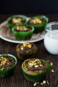 Developed by a registered dietitian, this matcha green tea muffins recipe is loaded with protective antioxidants. A healthy indulgence that is gluten-free! Gluten Free Desserts, Gluten Free Recipes, Dessert Recipes, Healthier Desserts, Healthy Recipes, Green Tea Muffin Recipe, Benefits Of Gluten Free Diet, Green Tea Recipes, Tasty