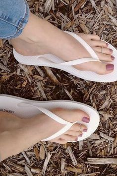 (notitle) - Craig Jones - Make-Up Nice Toes, Pretty Toes, Sexy Zehen, Barefoot Girls, Foot Toe, Beautiful Toes, Sexy Toes, Female Feet, Women's Feet