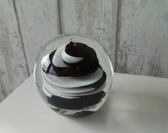 Presse papier zwart witte twister 1 Glass