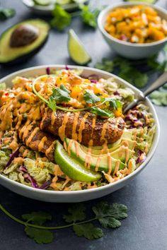 Fish Taco Slaw Bowls with Mango Salsa and Chipotle Aioli Fisch Taco Slaw Schalen mit Mango Salsa und Chipotle Aioli Lass dich jeden Tag inspirieren! Seafood Recipes, Paleo Recipes, Healthy Dinner Recipes, Healthy Snacks, Healthy Eating, Cooking Recipes, Whole30 Fish Recipes, Tilapia Recipes, Cooking Fish