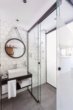 Modern Bathroom Design Ideas For Your Family Heaven Bathroom Renos, White Bathroom, Bathroom Interior, Modern Bathroom, Small Bathroom, Minimalist Bathroom, Hotel Bathroom Design, Bathroom Ideas, Dark Floor Bathroom