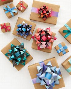 how-to-make-a-gift-bow via 100 layer cake #100layercake #bow #gift