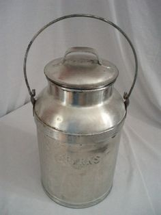 """Vintage 3 Gal. metal dairy farm Milk can Container """"Sparks"""""""