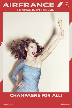À vous les petites bulles qui montent. Une coupe de champagne offerte sur les vols longs-courriers. France is in the air.