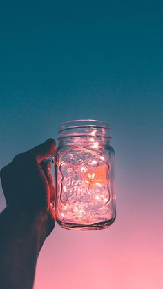 It's like a galaxy inside a container. Make this DIY Mason Jar Light that's made with a miniature string light! Simple tutorial by Pop Shop America. Pot Mason Diy, Diy Mason Jar Lights, Mason Jar Lighting, Mason Jars, Shop America, Diy And Crafts Sewing, Crafts For Teens, Craft Tutorials, Craft Videos