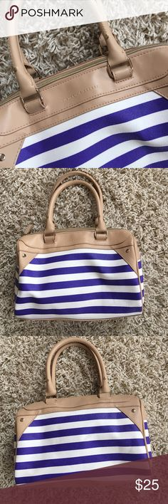 NWOT Victoria's Secret Elbow/Handbag NWOT Victoria's Secret Elbow/Handbag. Reminds me of a speedy bag. Stripes are a blue/purple & white. Handle is tan. No stains, scuffs, or tears! OFFERS ARE WELCOMED. 😊 Victoria's Secret Accessories
