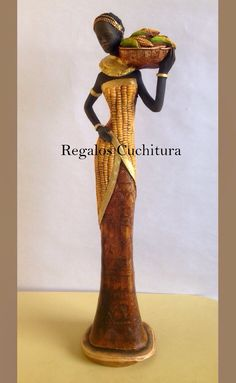 Figuras Esculturas Negras Africanas En Yeso Para Decoración - Bs. 7.700,00 en MercadoLibre Africa Art, Women Figure, Bottle Painting, Doll Crafts, Cold Porcelain, Recycled Glass, African Women, Clay Art, Art Dolls