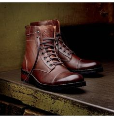 Men's Montgomery 1000 Mile Boot - W05311 - Vintage Boots | Wolverine  I want these NOW!