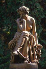 "Panoramio - Photo of The statue ""Muse"""