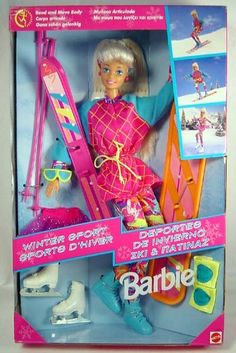 Winter Sports Barbie skis, snowboard and iceskates Mattel Barbie, Barbie Y Ken, Barbie 1990, Vintage Barbie Kleidung, Vintage Barbie Clothes, Barbie Sport, Barbies Pics, Barbie Images, Christmas Barbie