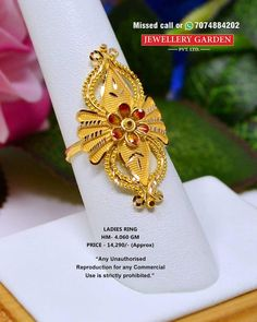 Light Weight Gold Jewellery, Gold Jewelry Simple, Gold Rings Jewelry, Gold Ring Designs, Gold Earrings Designs, Gold Jewellery Design, Chand Bali Earrings Gold, Antique Gold Rings, Gold Finger Rings