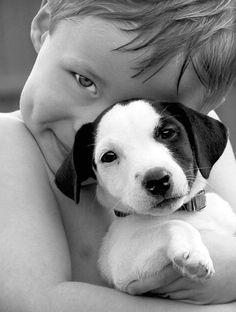 Pendant l'enfance, la compagnie d'un animal aide votre bout de chou à grandir. Il apprend à s'occuper d'un être vivant, à le respecter, et bien souvent, l'animal la canalise.
