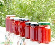 .: Pasta de ardei iute cu ardei kapia si rosii Canning Pickles, Romanian Food, Romanian Recipes, Pasta, Love Mom, Russian Recipes, Spice Mixes, Hot Sauce Bottles, Mason Jars