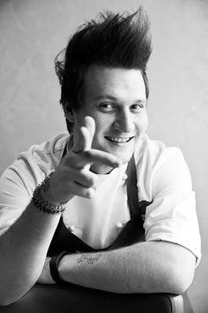 RICETTE DEGLI CHEF - Nikita Sergeev | Spaghetto, porri e peperone, Reporter Gourmet