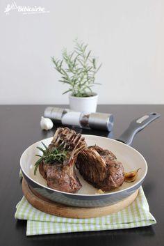 Húsvéti bárány - Bébicsirke Steak, Easter, Favorite Recipes, Meals, Dishes, Food, Plate, Meal, Easter Activities