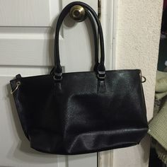 Spotted while shopping on Poshmark: black purse.! #poshmark #fashion #shopping #style #Handbags