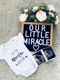 Trendy baby announcement quotes first Ideas First Pregnancy Announcements, Pregnancy Announcement Photos, Baby Boy Baptism, Baby Boy Shower, Baby Vision, Miracle Baby, Rainbow Baby, Baby Love, Baby Baby