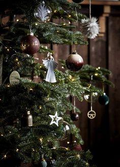 Inspirierende Weihnachtsdeko: Ideen und Neuheiten 2017 | SoLebIch.de Foto: House Doctor #weihnachten #weihnachtsdeko #weihnachtszeit #einrichtung #dekoration #deko #interior #solebich #inspiration #christmas #christmasdecor #anhänger #Christbaumkugeln
