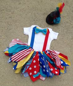 Circus outfit, Clown Outfit - ringmaster tutu - shabby chic outfit, mini top hat, circus birthday by LilNicks on Etsy Carnival Birthday Parties, Circus Birthday, Circus Theme, Rainbow Birthday, Circus Party, Girl Costumes, Halloween Costumes, Halloween Circus, Circus Clown