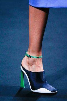 Dior Haute Couture, Couture Fashion, Couture Shoes, Dior Fashion, Fashion Heels, Christian Dior Bags, Christian Dior Couture, On Shoes, Me Too Shoes