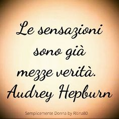Aforismi e citazioni sul giorno. I migliori pensieri e le riflessioni più celebri sui giorni e le giornate. Smile Quotes, Words Quotes, Love Quotes, Inspirational Quotes, Italian Quotes, Quotes About Everything, Something To Remember, Magic Words, Tumblr Quotes