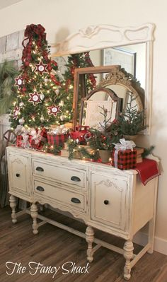 YOU CAN TAKE IDEAS FROM THIS TO ADD TO YOUR TABLE CENTERPIECES! NolaWest**********************  Plaid Christmas Creations Big Christmas Tree, Miniature Christmas Trees, Cottage Christmas, Primitive Christmas, Rustic Christmas, Christmas Kitchen, Farmhouse Christmas Decor, Christmas Time Is Here, Plaid Christmas