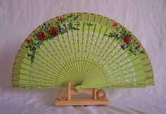 Echter chinesischer Handfächer aus Bambus 076 mit Blumen, auch sehr schön als Deko Fächer: Amazon.de: Sport & Freizeit